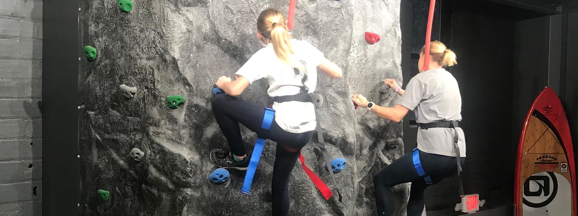 Climb the wall Paddle & Climb
