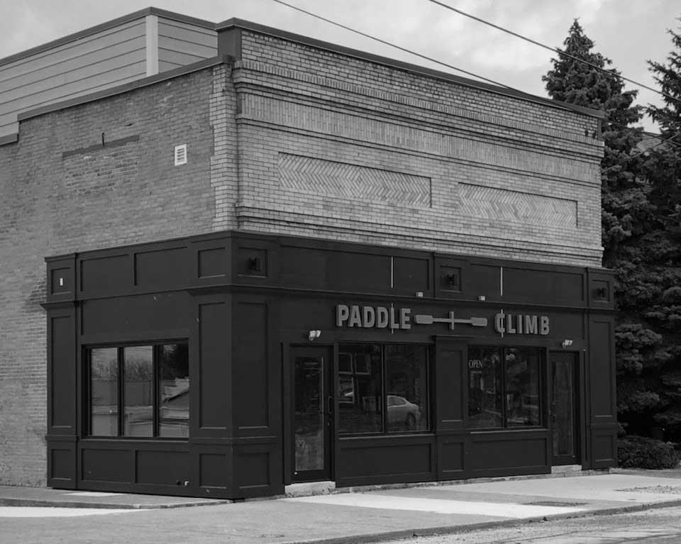 PaddleClimb Building BW